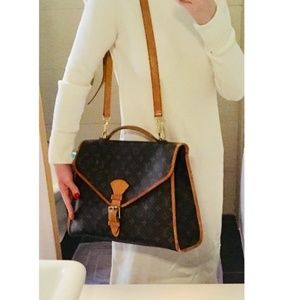 Auth Louis Vuitton Monogram Beverly Shoulder bag